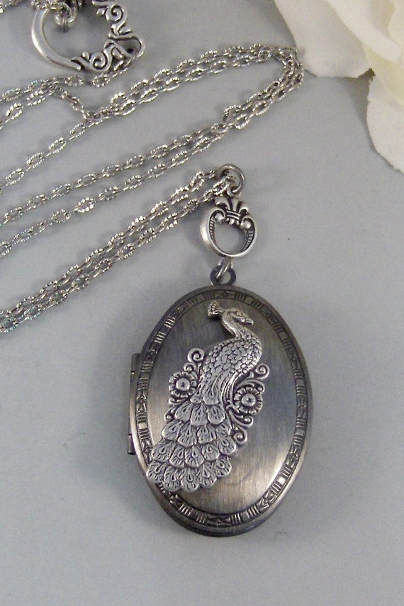 Pretty Plume,Silver Locket,Antique Locket,Peacock, Locket Necklace,Peacock,Bird. Handmade Jewlery by valleygirldesigns on Etsy.