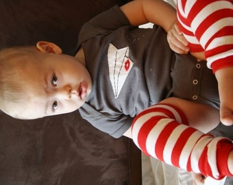 """Valentine's Day """"Sealed with a kiss(or heart) PAPER Airplane""""  baby Bodysuit, perfect for 1st Valentine's Day Pics, Paperman"""