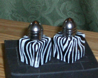 Zebra Animal Print Small Salt and Pepper Shakers Hand-painted by Lisa Hayward