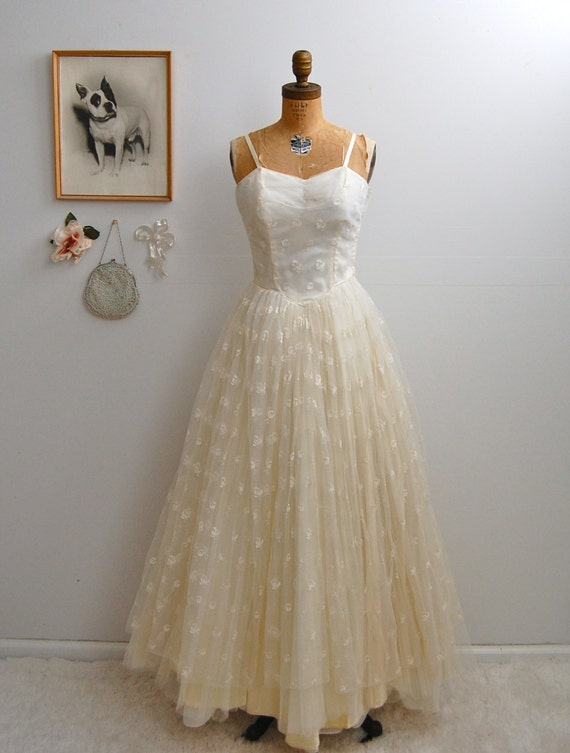 On sale vintage 1950s wedding dress 50s tulle dress the for 1950s style wedding dresses for sale