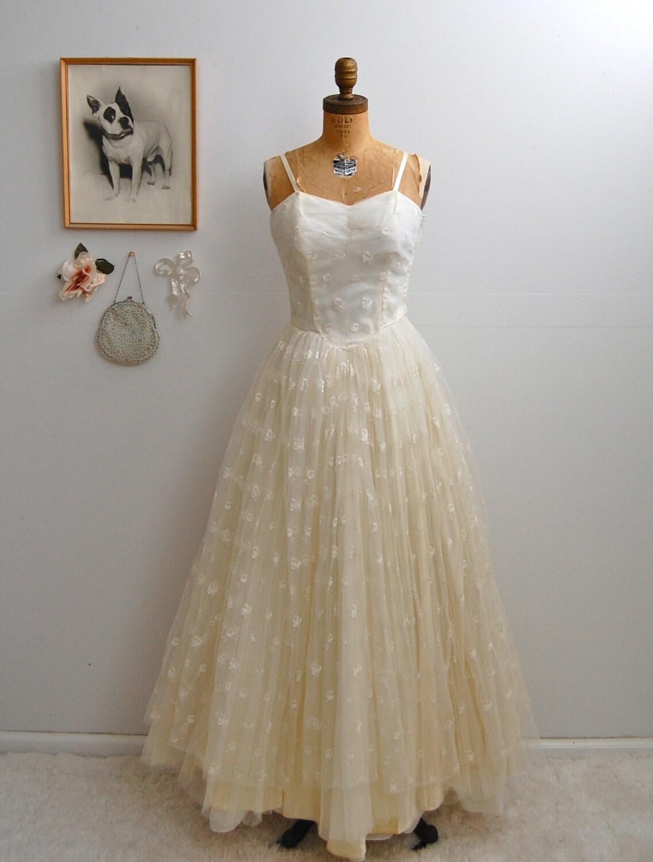 ON SALE Vintage 1950s Wedding Dress 50s Tulle Dress The