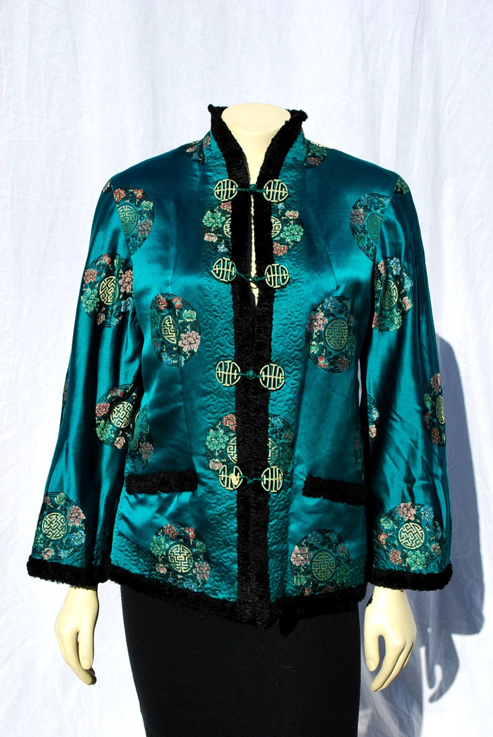 Vintage 4039s CHINESE Embroidered Short Jacket By Thekaliman