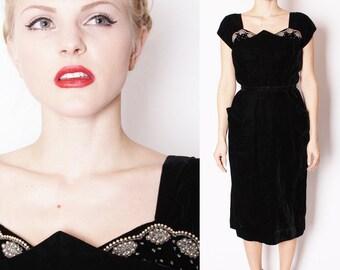 Art Deco 1950s Black Velvet Beaded Cocktail  Dress / 1950s Cocktail Dress / Black Velvet Dress / Beaded Dress / Little Black Dress / 1732