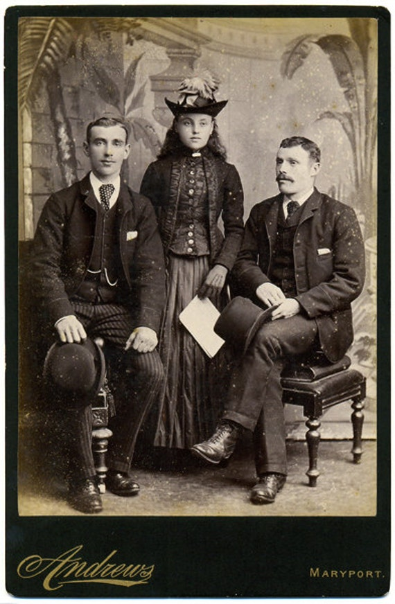 SALE - Cabinet Card Photograph - Family Group circa 1890s