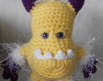 Aar Crochetlien - Amigurumi Crochet Pattern
