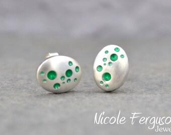 Handmade Bubble studs in sterling silver - Green