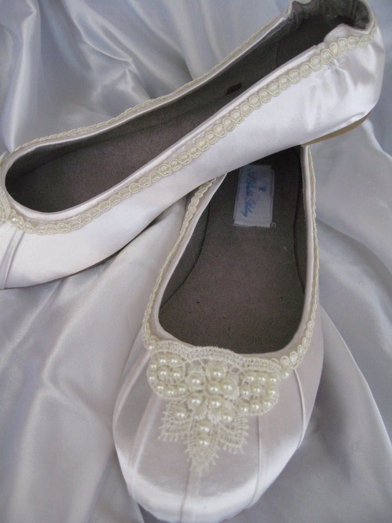 Items Similar To Wedding Shoes Ivory Bridal Ballet Flats Lace And Pearl Shoes Wedding Flats On Etsy