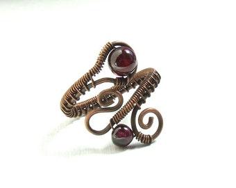 Garnet ring, copper ring, garnet gemstone jewelry, january birthstone jewelry