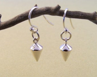 Sterling silver point earrings-Urban chic jewelry