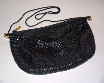 vintage 70s 80s metal mesh purse / 1970s cross body / 1980s shoulder bag / black disco party / evening glam / American Hustle