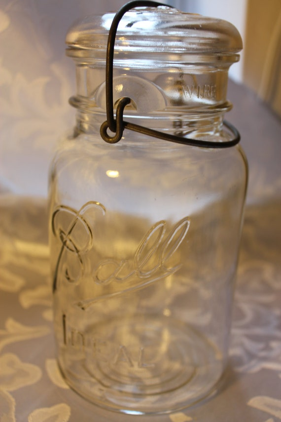 ball canning jar with glass lid and wire clamp. Black Bedroom Furniture Sets. Home Design Ideas