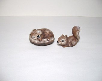 Sqirrels, ceramic miniature squirrels