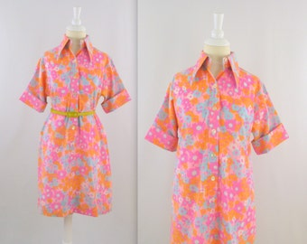 Susan Van Heusen Shirt Dress - Vintage 1960s Mod Tunic Dress in Bright Pink Floral - Medium Large