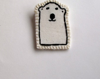 Polar bear brooch hand embroidered attached to card for Valentine's Day kids jewelry party favors