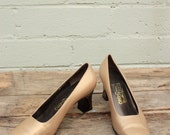 Vintage Ferragamo Pumps Size 8B Made in Italy