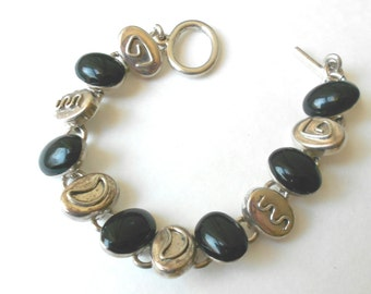 Mexican Sterling Bracelet, Onyx stone sgraffito link Vintage Bracelet, Taxco Mexico, 34 Grams