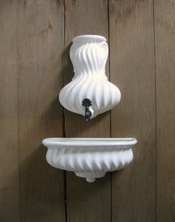 Vintage lavabo small white ceramic wall fountain water tank - Lavabo colonne retro ...