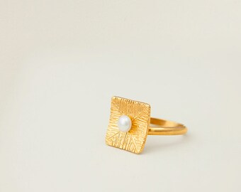 Silver gold plated square ring with fresh water pearl