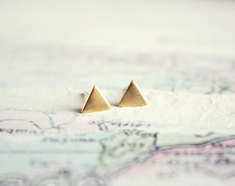 tiny triangle stud earrings - minimalist geometric gold jewelry / raw brass - gift for her