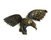 EAGLE vintage brass, 3d WALL hanging, BIRD of prey, Wildlife animal Feather texture Fierce hunter, office decor, Hollywood Regency sculpture