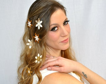 Wedding hair flowers, Bridal hair jewelry, Bridal hair accessory, Wedding hair accessory, Bride hair accessory, White and gold hair flowers