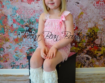 Light Pink Vintage Lace Petti Romper - Newborn - Baby Girl -- birthday outfit- easter outfit - photo prop- pink romper