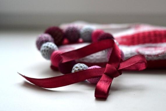 Strawberry Nursing Necklace - Mom Jewelry - Eco-friendly sensory necklace