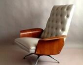 R E S E R V E D //  Striking Mid Century Plycraft Mulhauser MCM Lounge Chair -Diamond Tufted -Swivel & Recline -Walnut Gullwing Arms