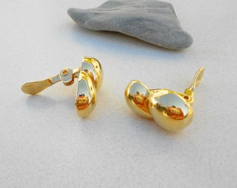 Vintage abstract Monet earrings clip on gold tone metal preppy and pretty 1980s jewelry simple