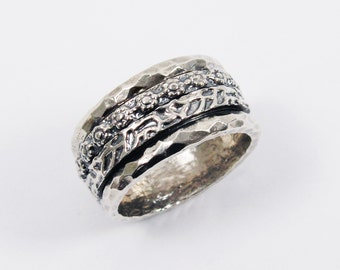 Oxidized sterling silver floral double band spinner ring. Wide spinner ring. Silver spinner ring (53298). silver spinner ring, floral ring