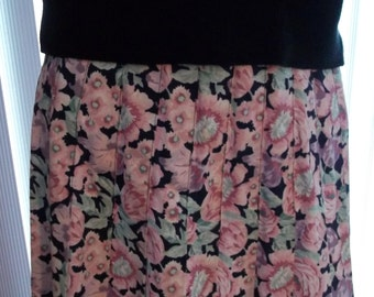 Vintage 80's LAURA ASHLEY Floral Pleated Skirt // Ships Worldwide-Convo For Quote
