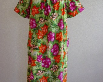 Hibiscus Hawaiian MuuMuu/Summer Shift/Retro Vacation Wear