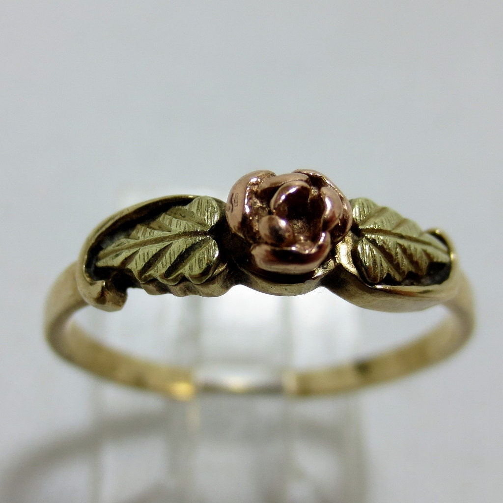 1980s Black Hills Gold Rose Flower Ring