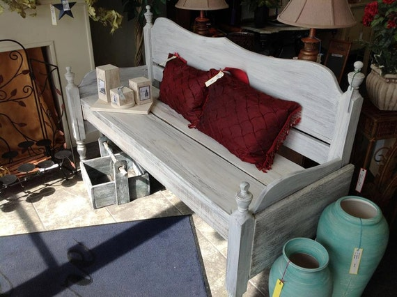 Benches made from headboards, shabby chic, to finished sprayed wood colors
