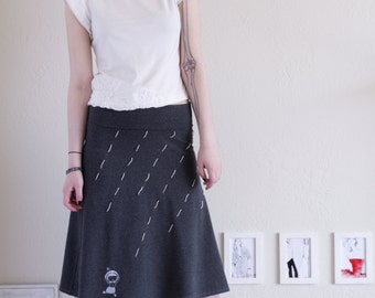 Lovely Design Skirt, Womens Knee Length Skirt . Gray A-line skirt . Fold over Cotton Skirt . Applique Pull On skirt - Running in the rain