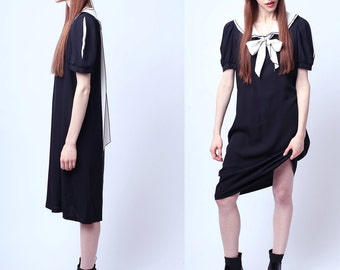 1960s Madeline and the Cute Black and White Tent Dress Fits All