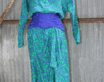 1980s Vintage Silk Dress - Jewel Tone Silk Dress Floral Pattern - Classic 80's Vintage - Rouched Waist - Shoulder Pads - 38 Bust
