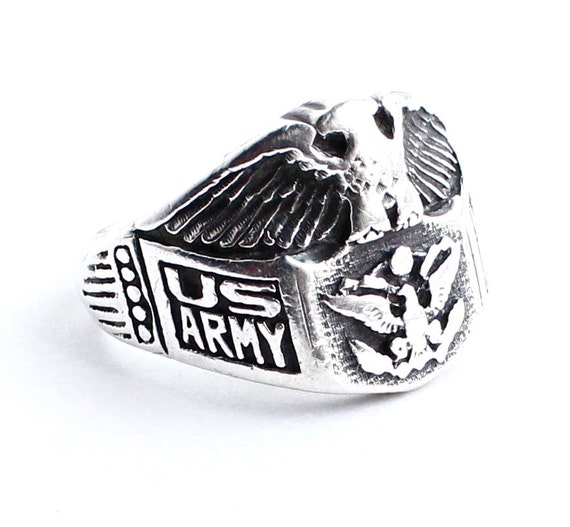 SALE - WW2 Sterling Silver Army Ring -  Vintage Size 9.5 Historical Military Service Jewelry / Eagle