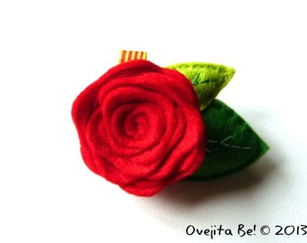 Red rose felt brooch, large - Sant Jordi rose