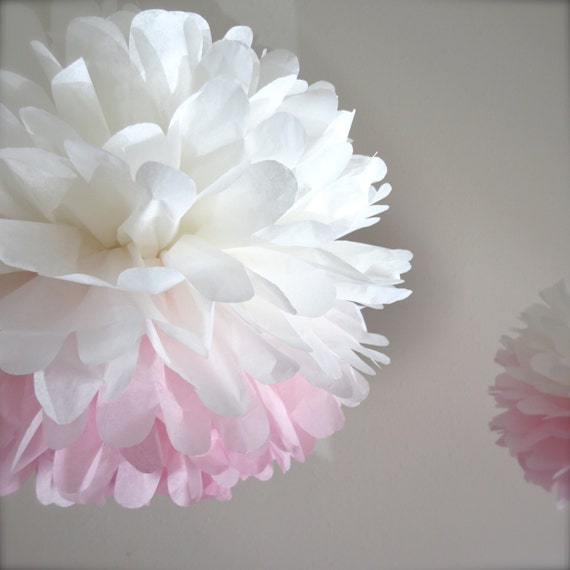 Ombre Paper Pom Pom - Pink Ombre - Single Pom Pom - Weddings - Modern - Romantic - Pink  - Bridal - Bridal Shower - Nursery