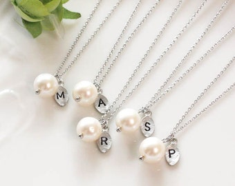 Pearl necklace, Bridesmaid gifts - Set of 6 -Leaf initial, Personalized necklace, Freshwater pearl, Swarovski pearl