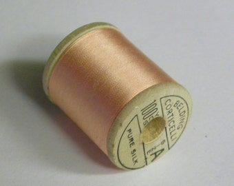 Corticelli Pure Silk Hand Sewing Embroidery Floss Thread 100 Yd. Wooden Spool Shade 2660 Frosted Peach