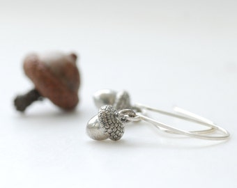 Acorn Earrings, Autumn Jewelry, Autumn Wedding, Pewter Acorns, Woodland, Nature Jewelry, Dangle, Sterling Silver