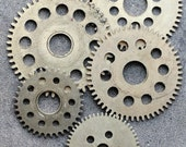 Vintage clock brass gears -- set of 5 -- D4