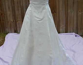 Vintage Off White Sleeveless Silk Wedding Gown/Dress with Cathedral Train & Rhinestones