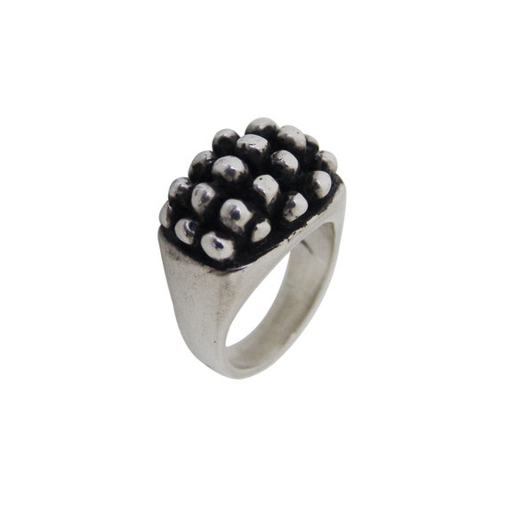 Pop Ring Size 6 or 8