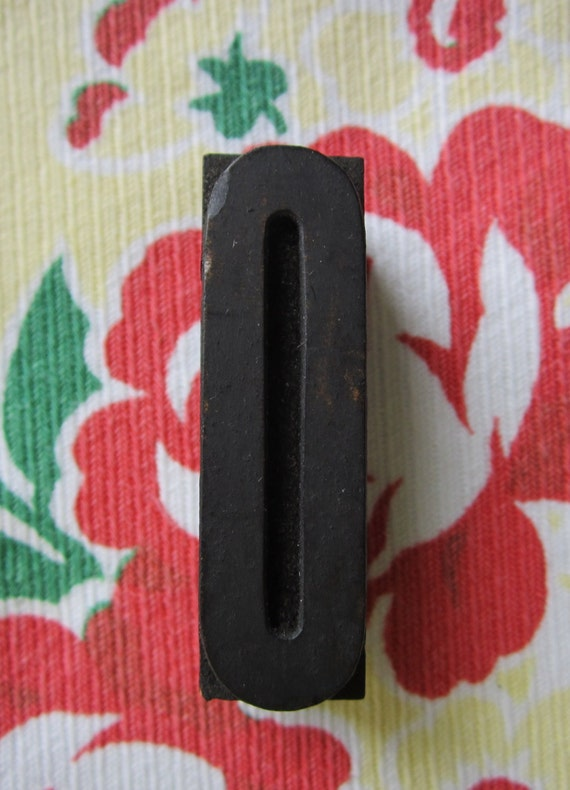 Antique Letterpress Wood Type Printers Block Letter O