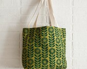 green Daisy Chain hand-printed cotton canvas tote bag