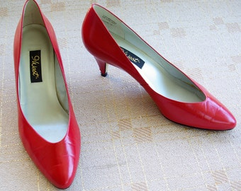 CHERRY Red 1980's 90's Vintage Red Brazilian Leather Pumps Heels by 9 West size 7 M