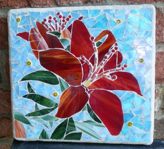 Flower Wall Decor Reversible Mosaic With Chalkboard: Gorgeous Red Stained Glass Mosaic Lilly Wall Art